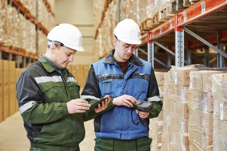 Benefits of Voice Picking Systems in Distribution Centers